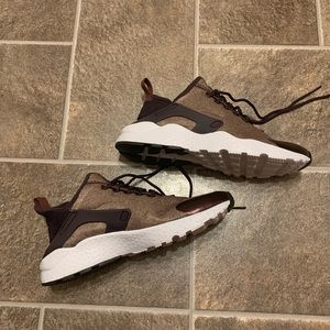 Nike Air Huarache Run Special Edition